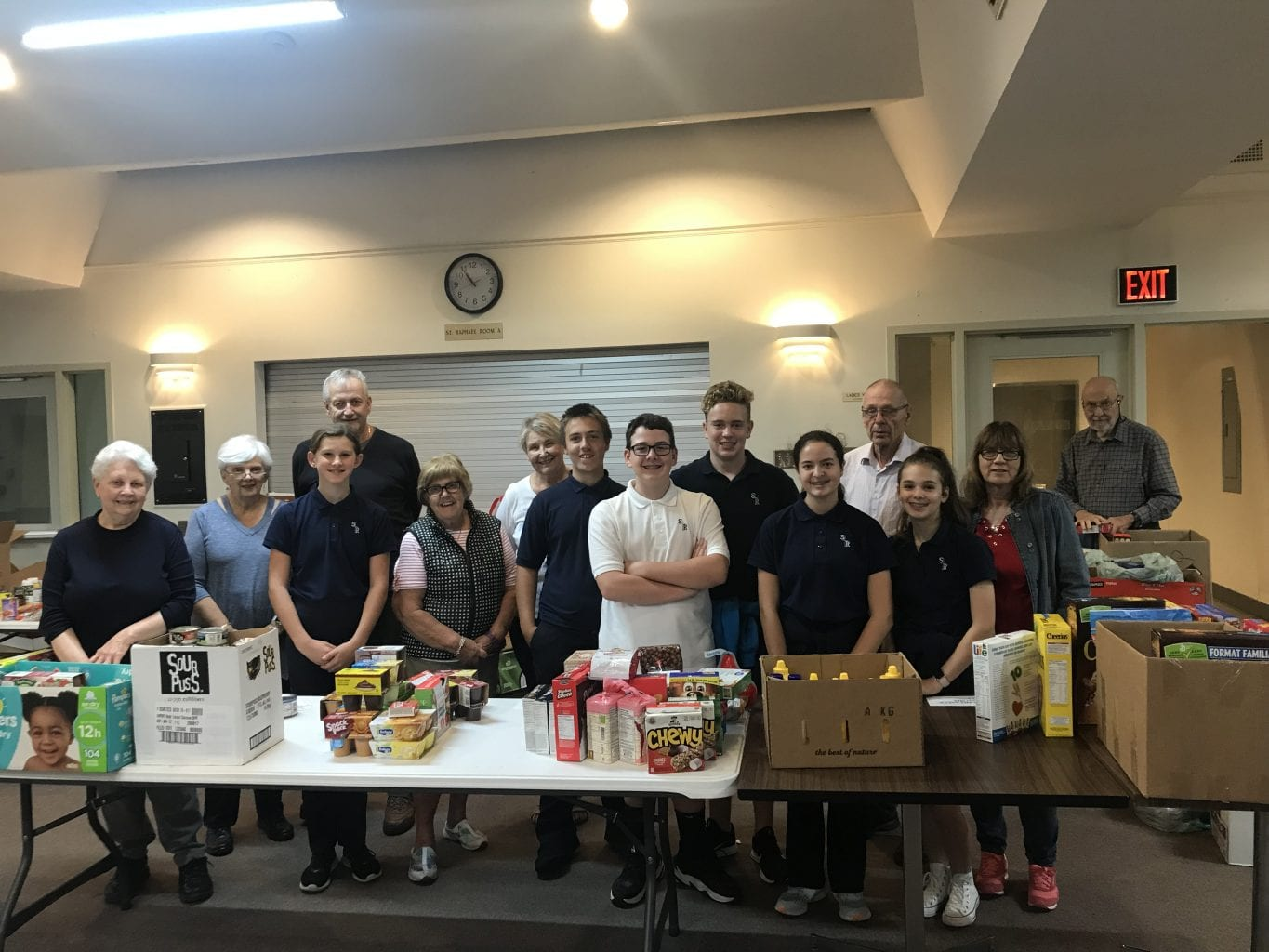 St. Raphael Holds Thanksgiving Food Drive!